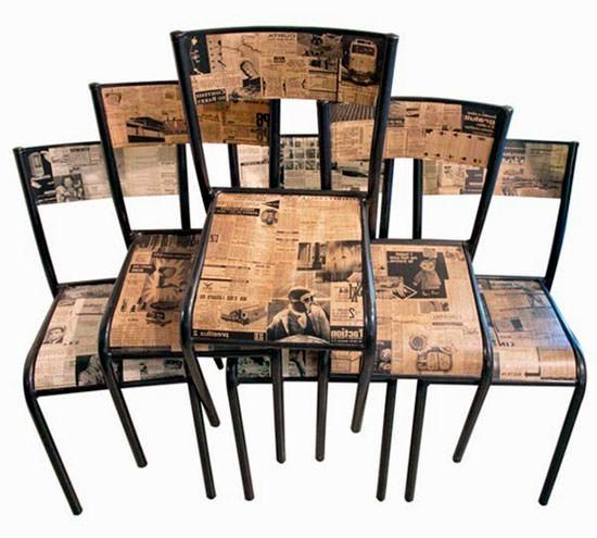 Стулья декорированные газетами