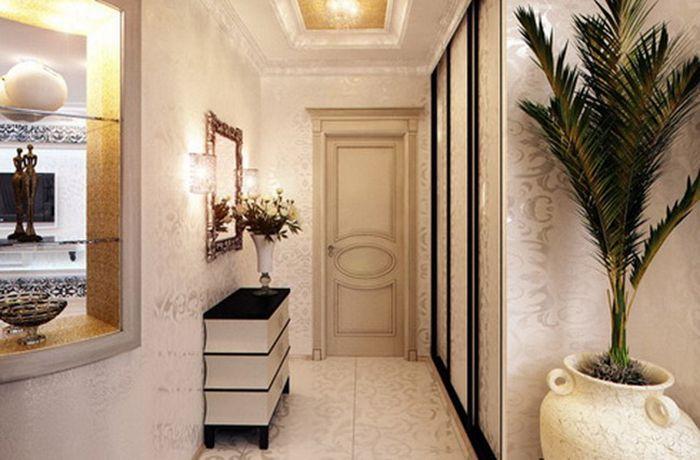 Светлая мебель в узкий коридор