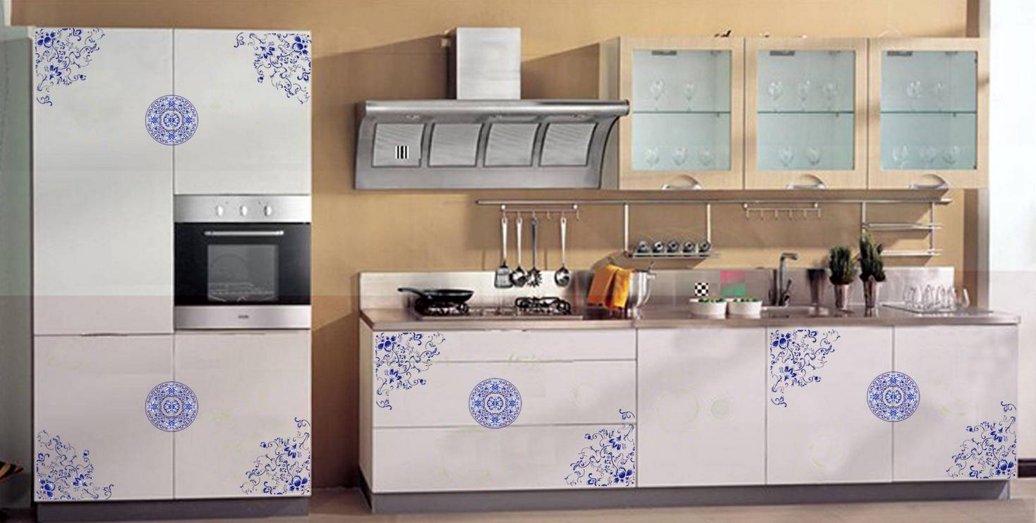 Кухонная мебель декорированная