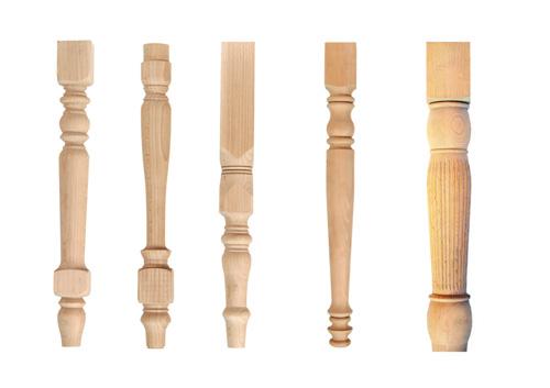 Светлые точеные деревянные мебельные ножки