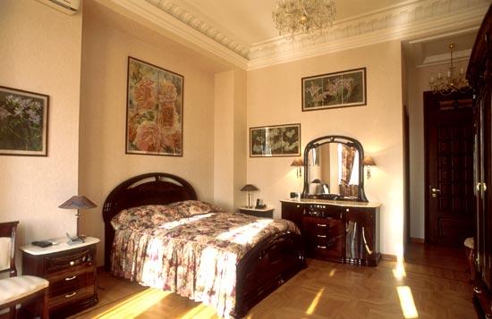 Правила расстановки мебели в спальне