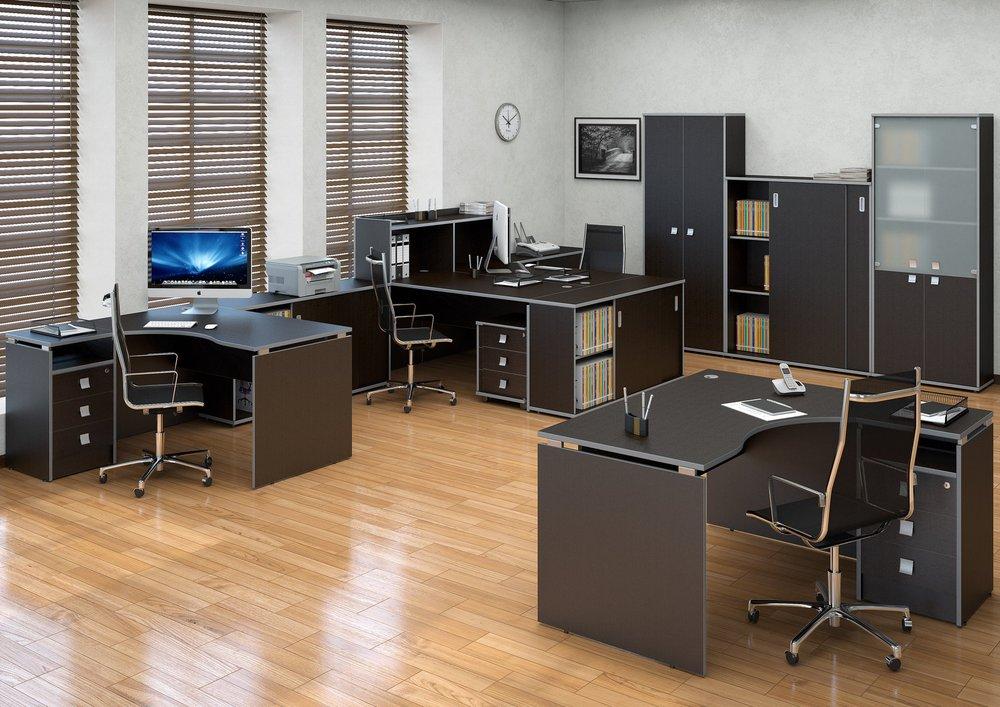 Темные офисные столы