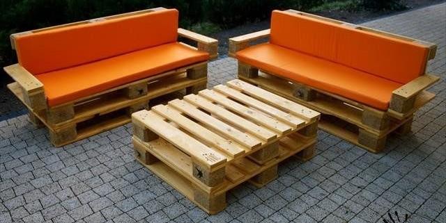 Удобная садовая мебель из поддонов