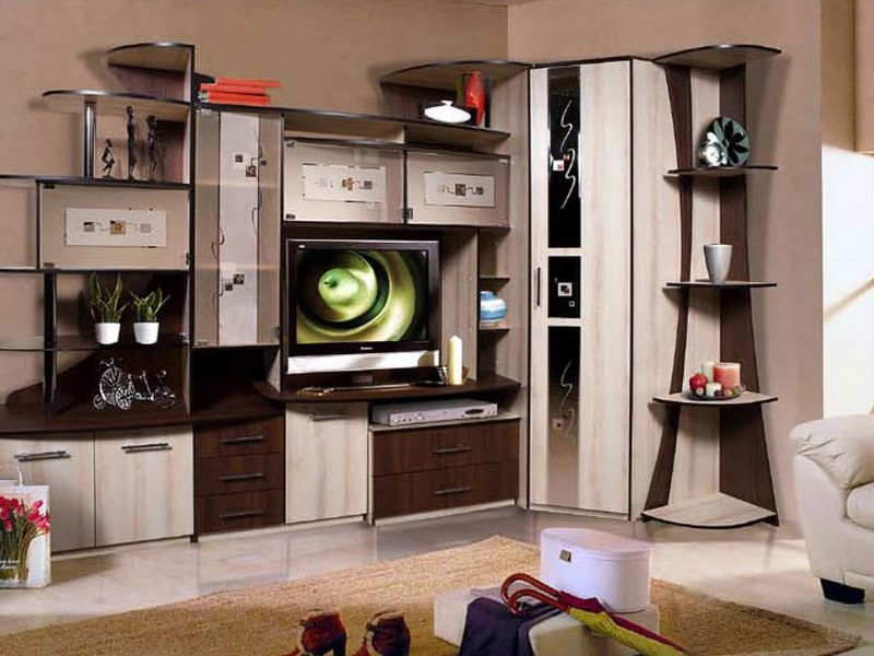 Удобная угловая мебель в гостиной