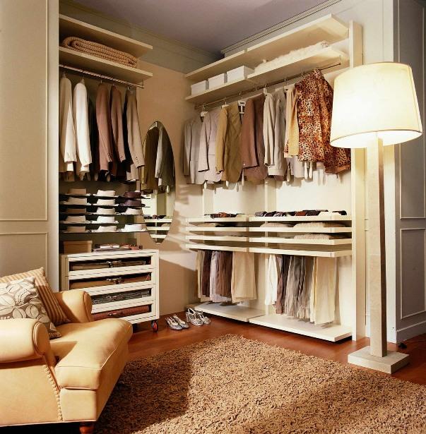 Удобная угловая современная гардеробная