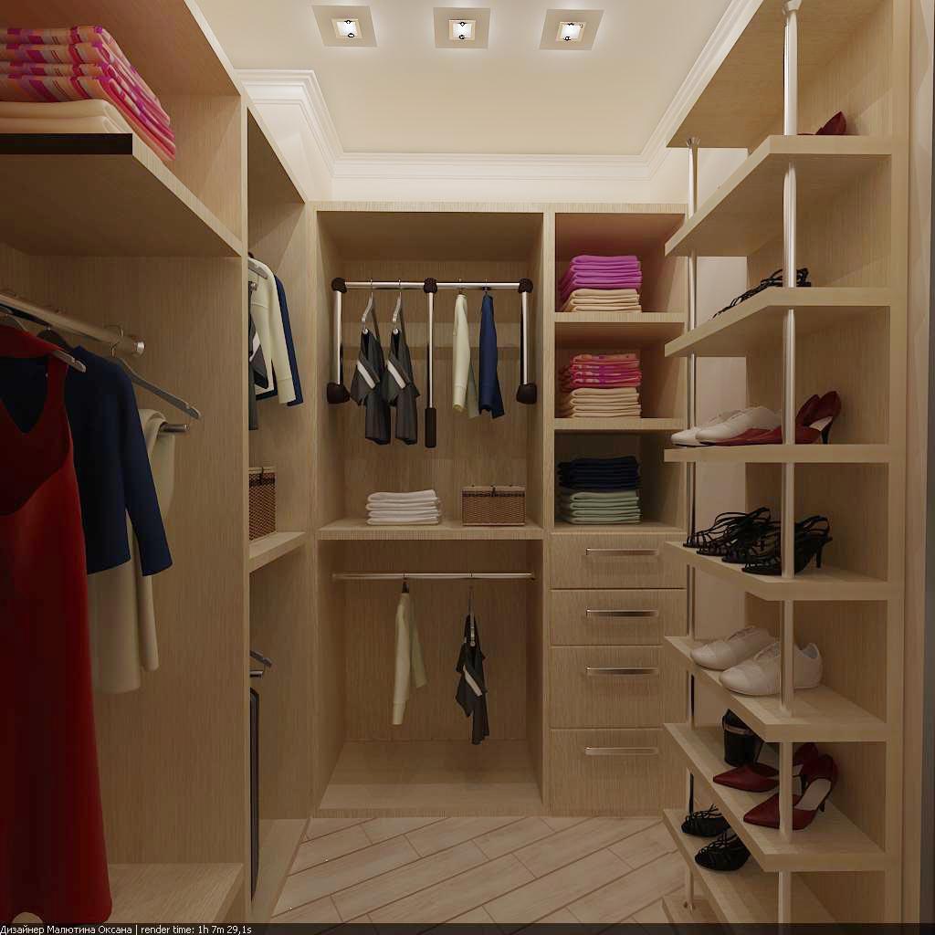 Удобное гардеробное помещение в доме