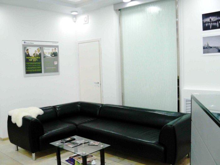 Угловая мягкая мебель в офис