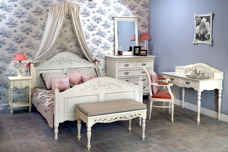 Уютная мебель для спальни в стиле прованс