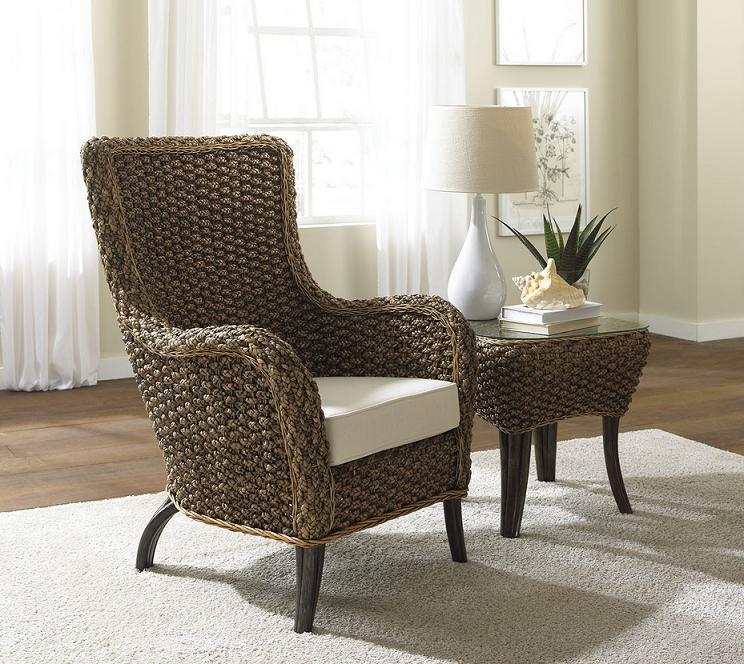 Уютная плетеная мебель