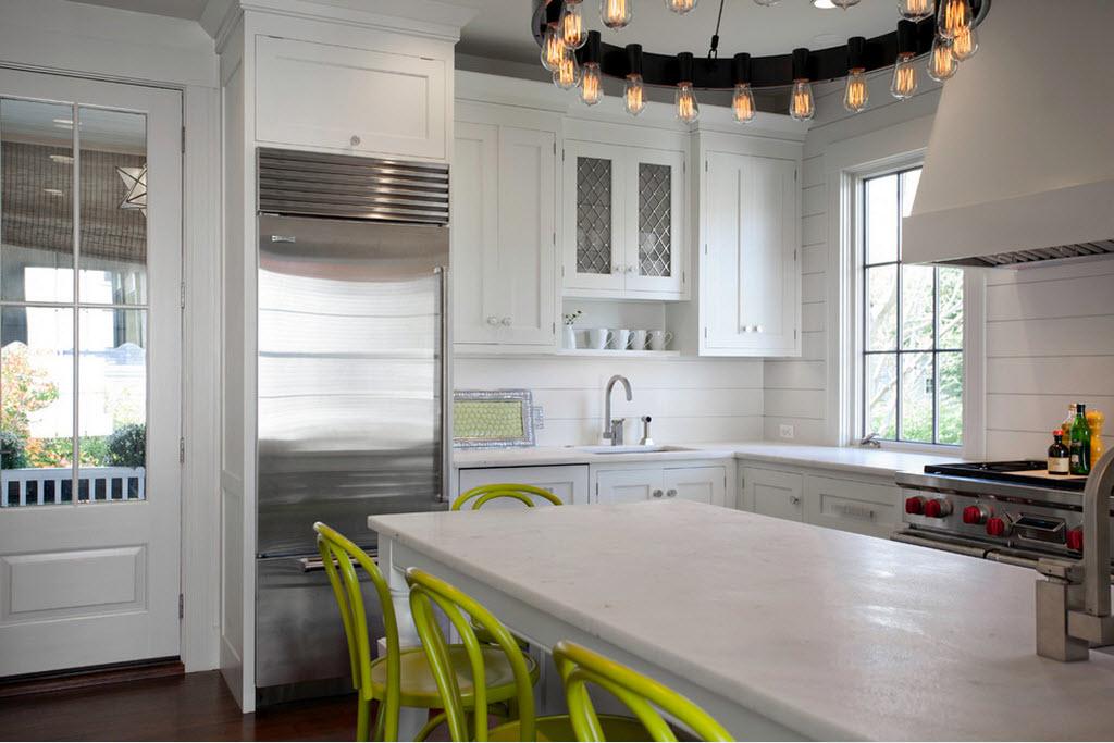 Вариант мебель для обустройства кухни в доме