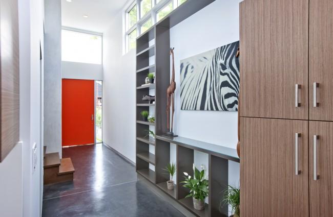 Выбираем мебель в узкий коридор
