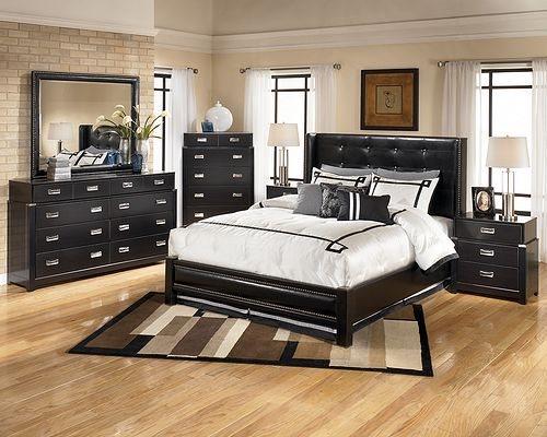 Выбираем расположение мебели в спальной комнате