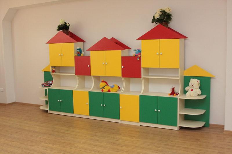 Яркая мебель в детский сад