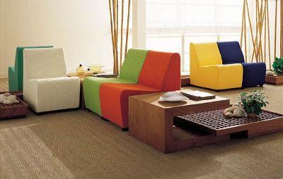 Яркая поролоновая мебель
