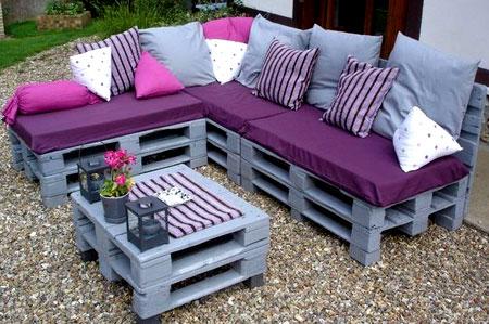Яркая садовая мебель из поддонов