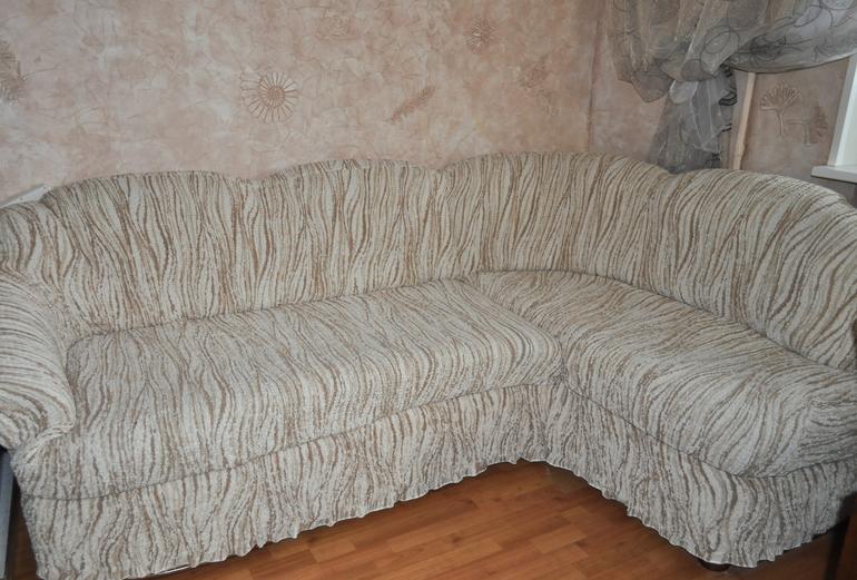 Яркие безразмерные чехлы на мебель