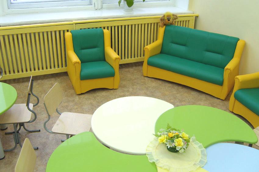 Зеленая мягкая детская мебель