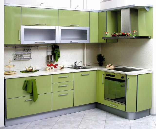 Зеленые угловые кухни