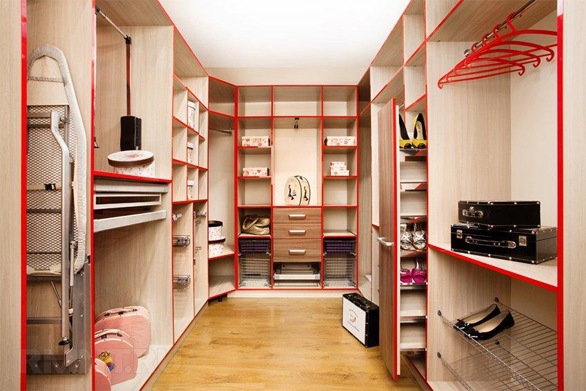 система хранения гардеробной в маленькой квартире