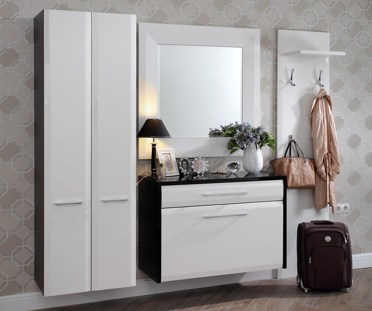 Белая прихожая с подвесным шкафом и подвесным комодом