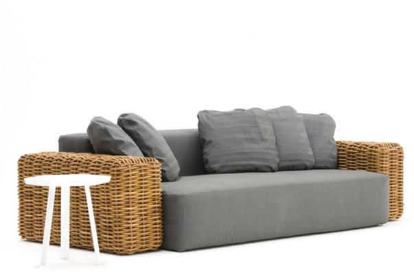 Частично плетеная мебель