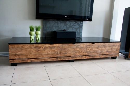 Деревянная мебель в гостиную