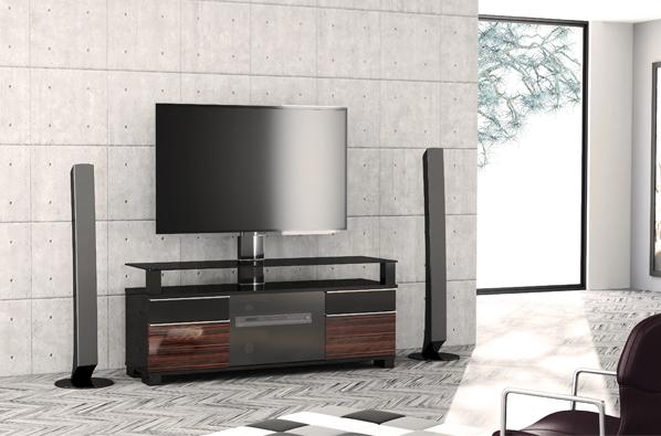 Хорошая ТВ тумба или подставка под телевизор оснащена роликами