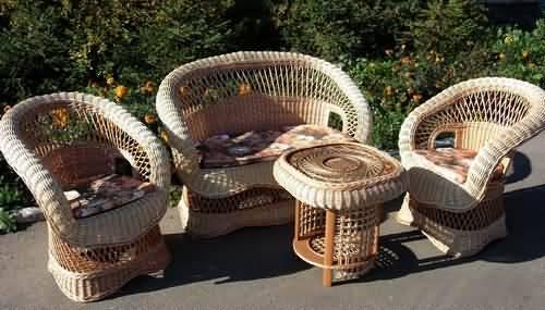 Хорошая плетеная мебель