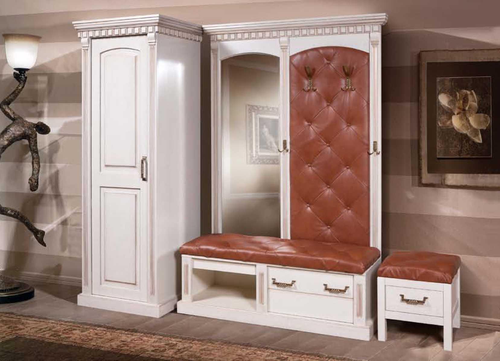 Коллекционная мебель в прихожую