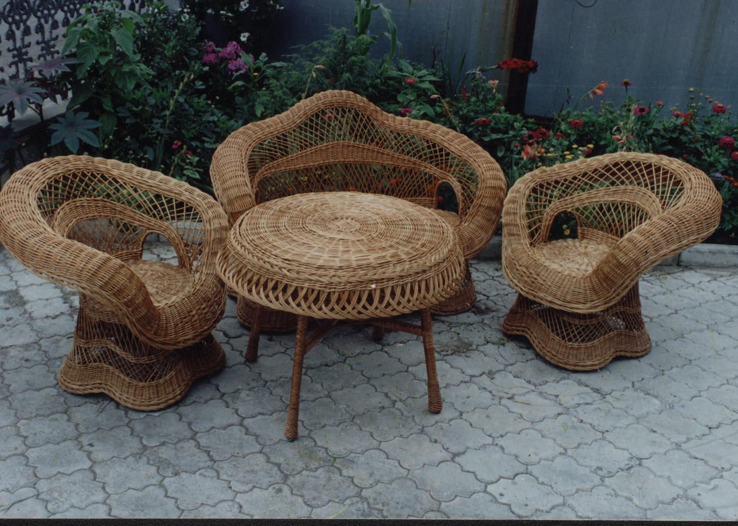 Комплекты плетеные из лозы