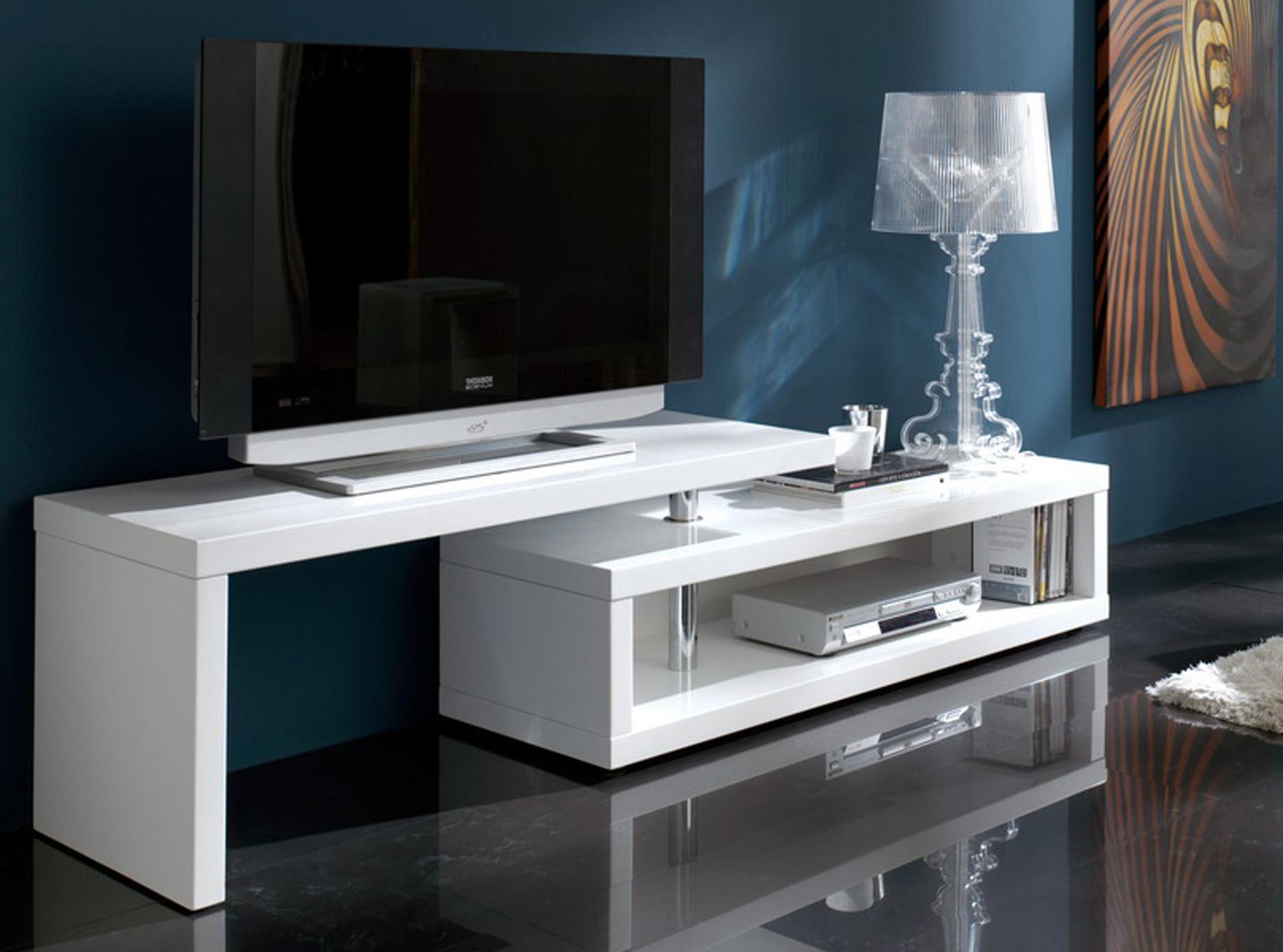 Красивая белая мебель