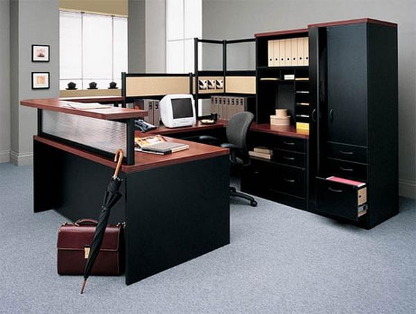 Многие руководители задаются вопросом, как правильно расставить мебель в офисе