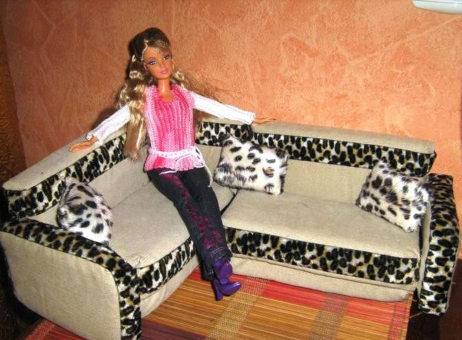 Мягкая мебель для куклы