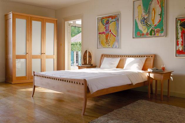 Немецкие спальни из массива