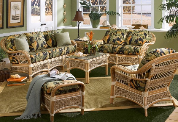 Плетеная мебель не терпит беспорядка и загруженных комнат