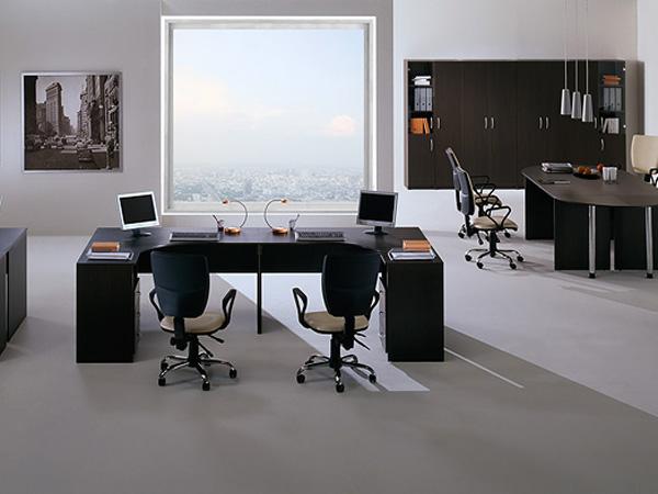 Размещение стола у окна