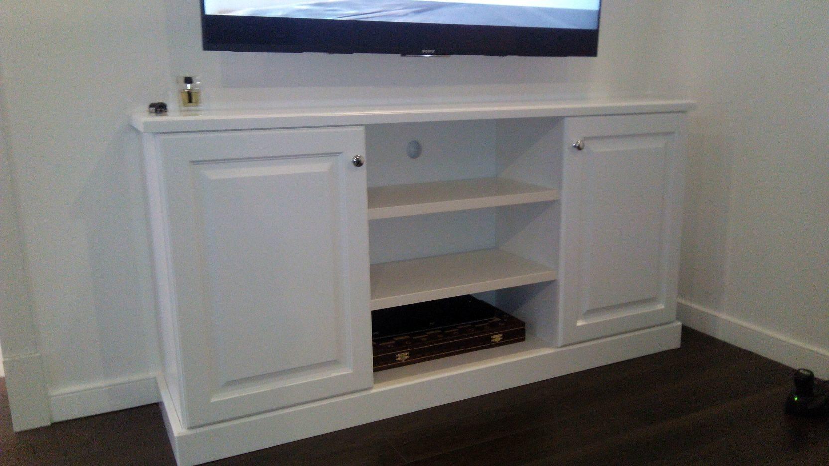 Тумба под ТВ из мдф матовая краска белая