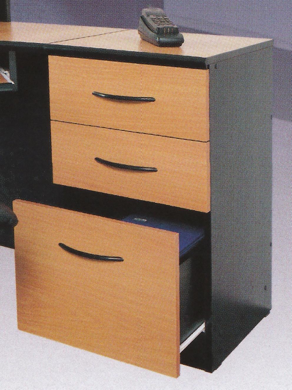 Тумба с тремя ящиками в офис