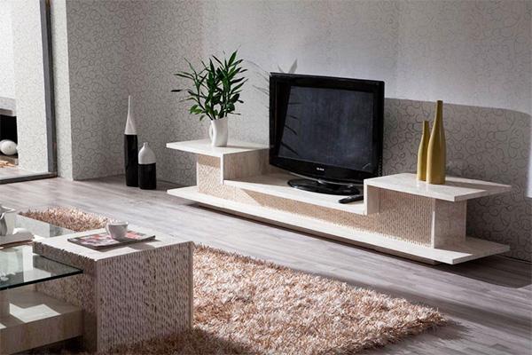Тумбы под телевизор могут быть большими или маленькими