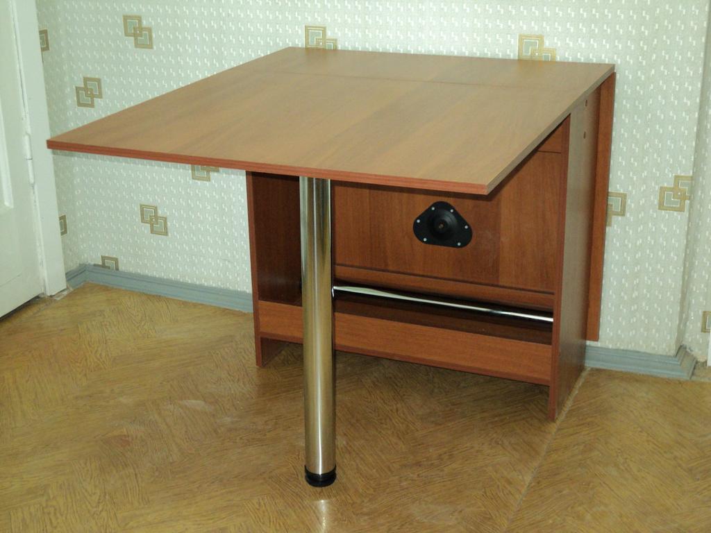 Вариант расположения стола тумба