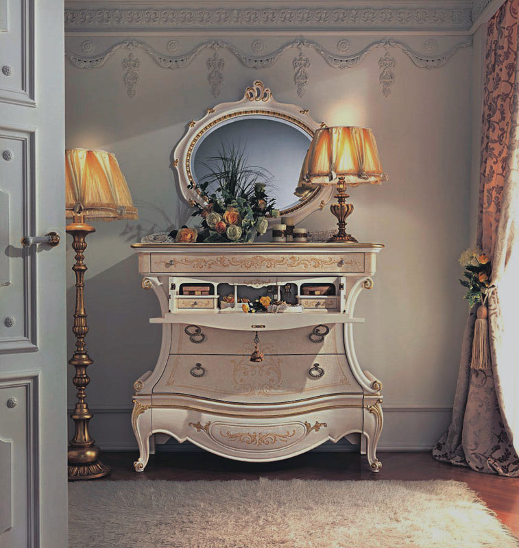 Белый комод бюро