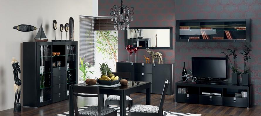 Черный комод в гостиной