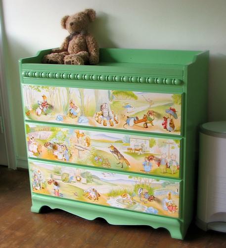 Как украсить комод для детской