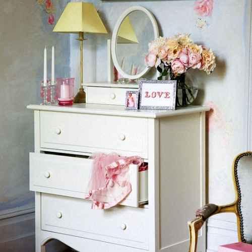 Комод в спальню - подбираем стиль и цвет