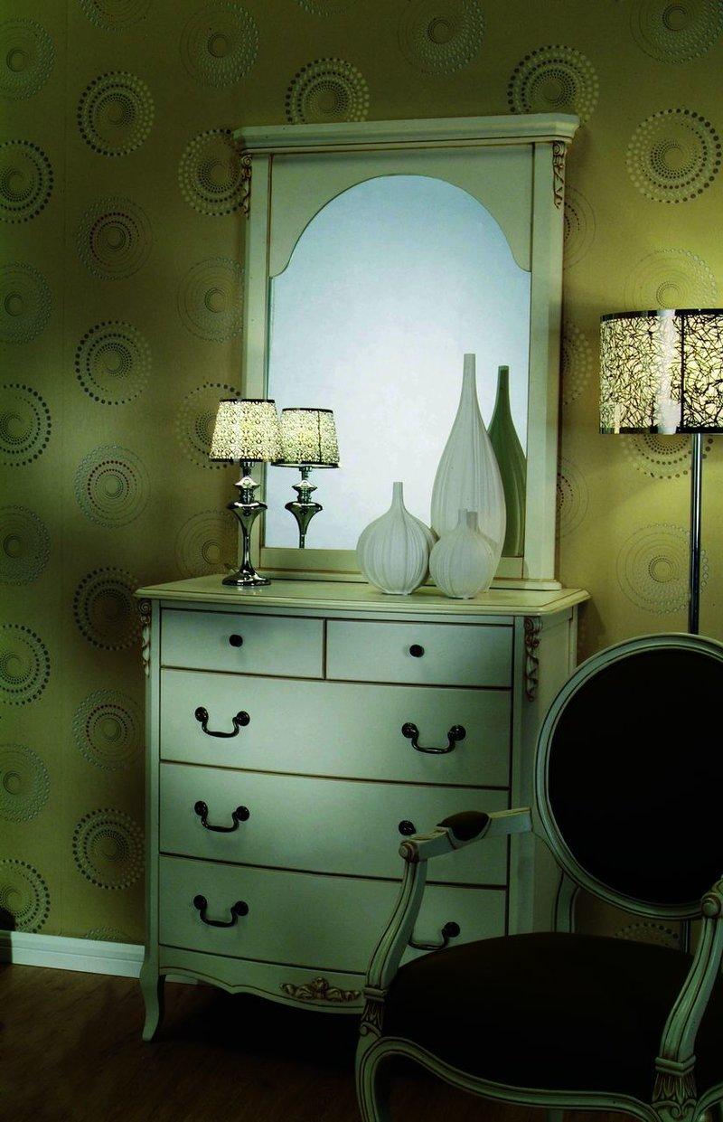 Комод в стиле прованс в интерьере спальни