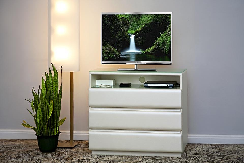 Комоды под телевизор - практичность превыше всего