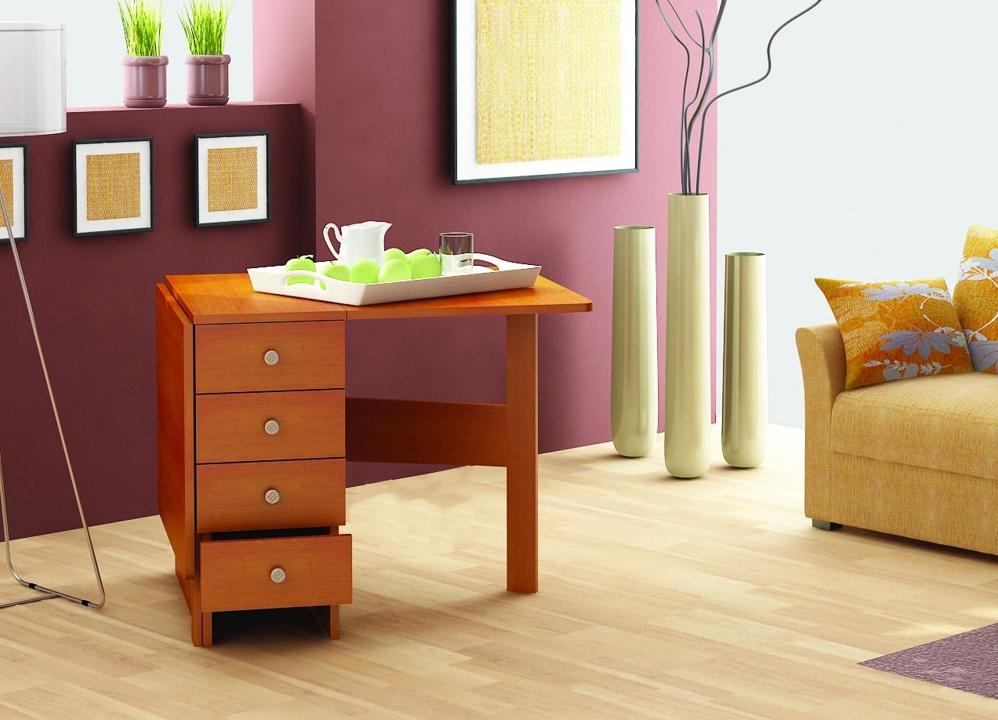 Небольшой стол