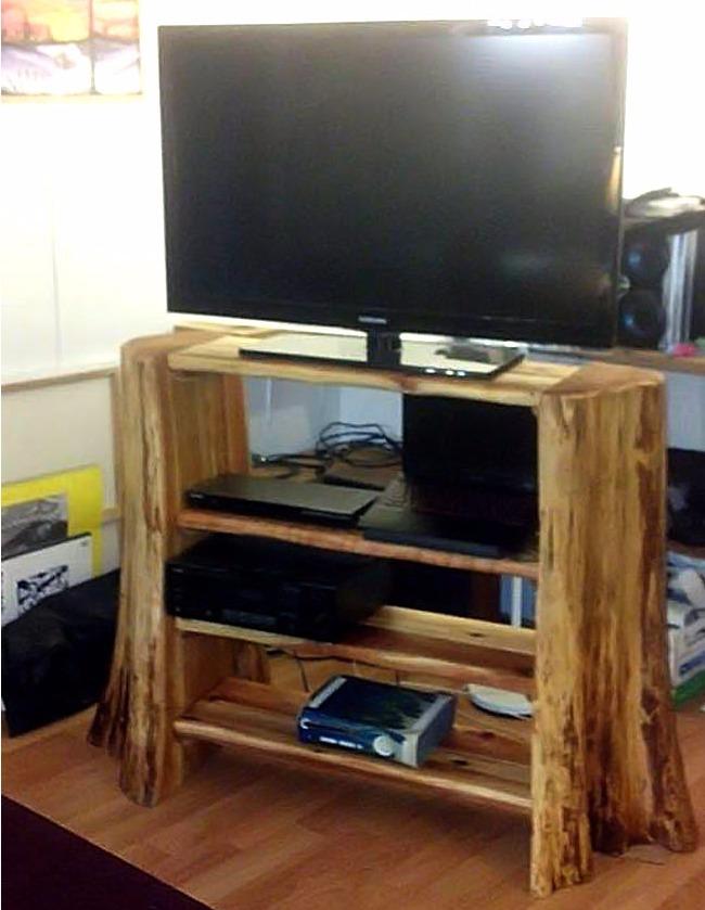 Открытая тумба под телевизор