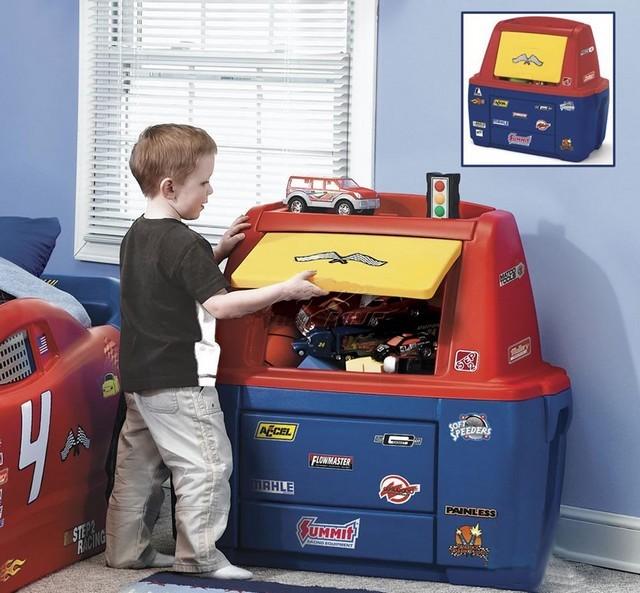 Пластиковая мебель для детской