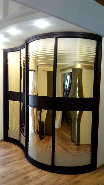 Радиусный шкаф-купе зеркальный